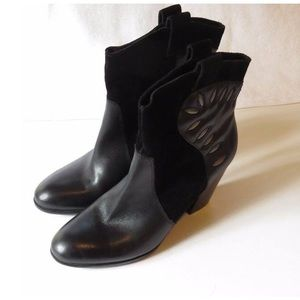 Naturalizer | Ember Ankle Boots